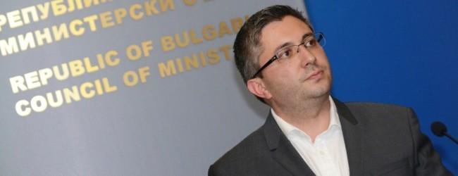 Николай Нанков може и да остане министър