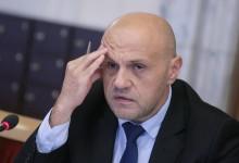 """Блестящите"" идеи на Томислав Дончев: Фирмите за горива да работят без печалба!"