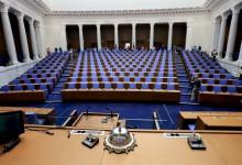 Без гласовете от чужбина ГЕРБ води с малко пред ИТН. Очертават се избори две в едно наесен
