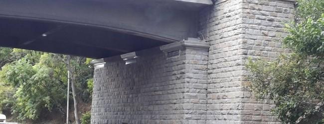 Ремонтираха основите на Аспарухов мост с …..фототапет!