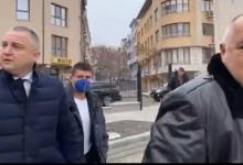 """Викове """"оставка"""" уплашиха Борисов и той избяга от задния вход на църквата """"Св. Прокопий Варненски"""" (ВИДЕО + СНИМКИ)"""
