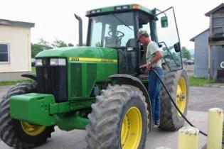 Демонстративно зареждане на земеделска техника на бензиностанциите – 24 юли от 9.00ч.