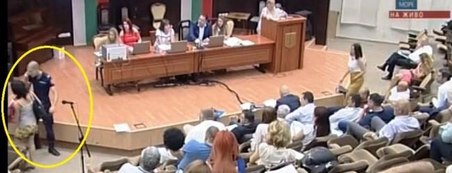 Социалната политика на Община Варна: Майка с 2 деца 10 г. на улицата, а зам. кмет в общински апартамент като крайно нуждаещ се