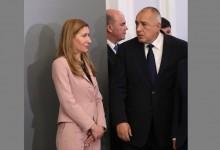 """Туризмът: """"Имат мазнинка"""" както казва Борисов или положението е кошмарно, както казва Ангелкова?"""