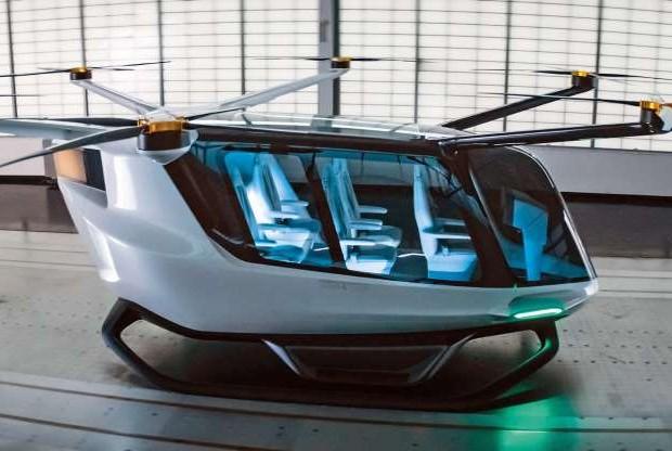 BMW разработва първия в света пътнически дрон