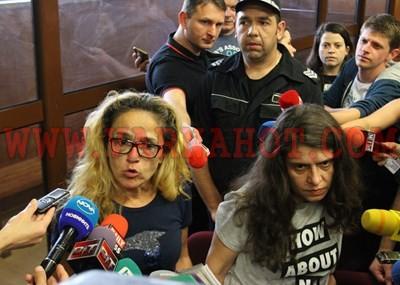Скандално: Оставят Иванчева и Петрова в ареста