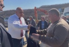 """Отново греда на Севда ТВ: """"Случайният"""" работник получил сакото на Борисов – общински съветник на ГЕРБ"""