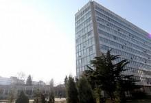 В сезона на салмонелата ХЕИ Варна няма лаборанти !?!
