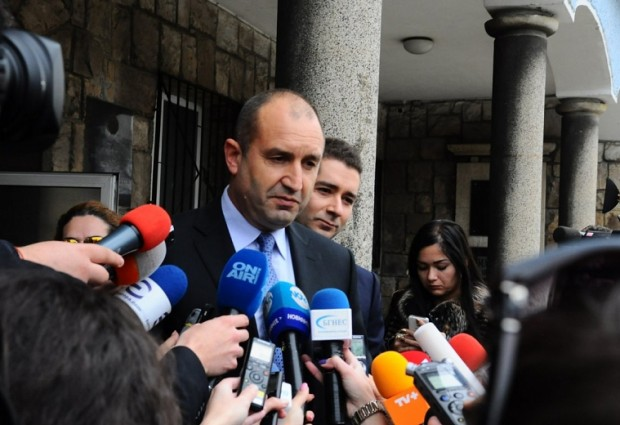 Румен Радев започва консултации за новия кабинет