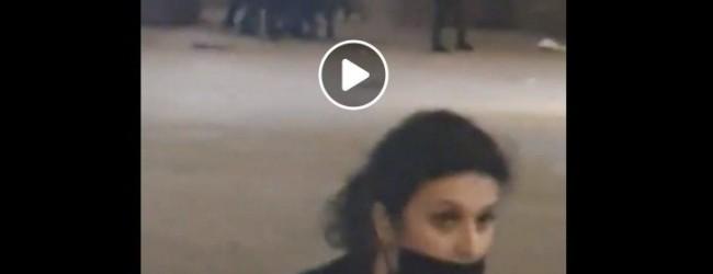 Полицията преби протестиращи, петима полицаи ритат паднал човек