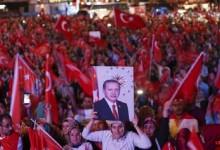 Турция решава днес: Султанат или република