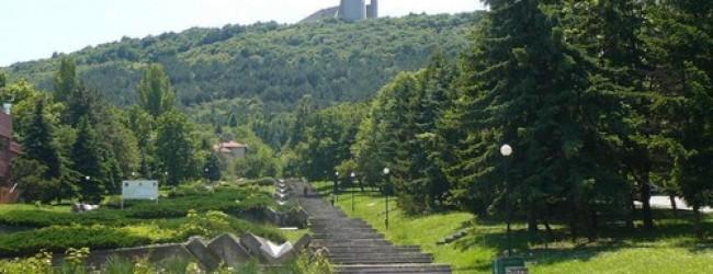 """Изкачване на 1300 стъпала до паметник """"Създатели на българската държава"""" ще се проведе утре в Шумен"""