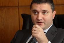 """Финансовият министър за хората с 400лв доходи: """"Не винаги е имало ток"""""""