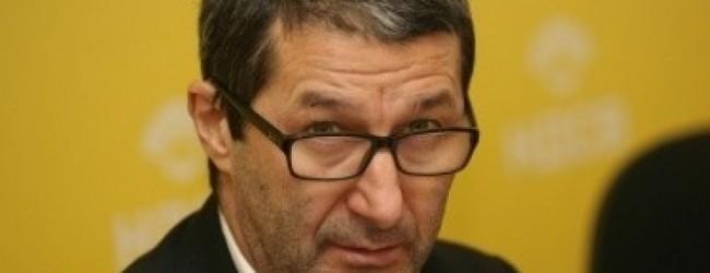 Съветник на икономическия министър скочи срещу майките! Да работят, стига са гледали деца!