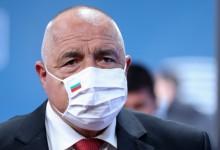 Кой има интерес от играта с разхлабването и връщането на мерките в България?