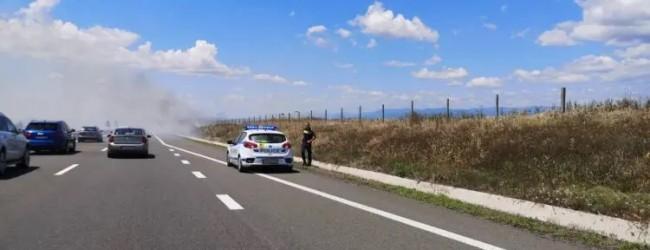"""Пожар блокира движението на магистрала """"Тракия"""""""