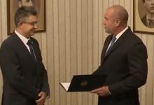 Президентът Радев даде проучвателен мандат на кандидата за премиер на ИТН Пламен Николов
