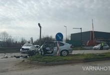 Тежка катастрофа на улица Девня във Варна