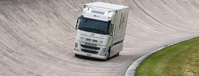 Електрически камион на VOLVO постави нов рекорд на Гинес за най-голям пробег
