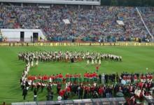Световни звезди на селски стадион! Липсата на нормален стадион развали празника на хиляди!