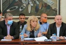 Комисията по ревизия пак вика за изслушване избягалата Петя Аврамова