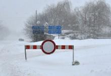 Зимата пак ни изненада! Заради снега редица пътища в страната са затворени
