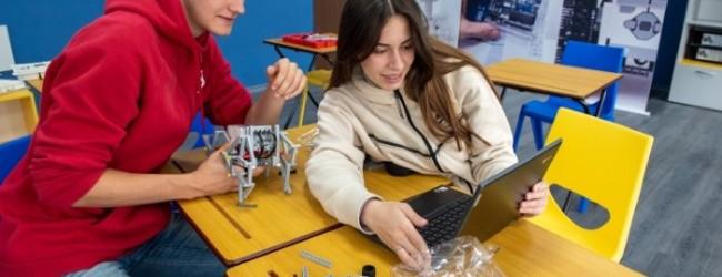 Варненската IT гимназия става референтно училище на Google